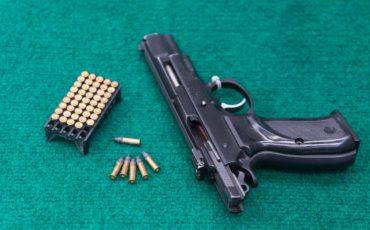 _22-Pistols-and-Handguns