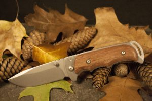 weapon knife carving