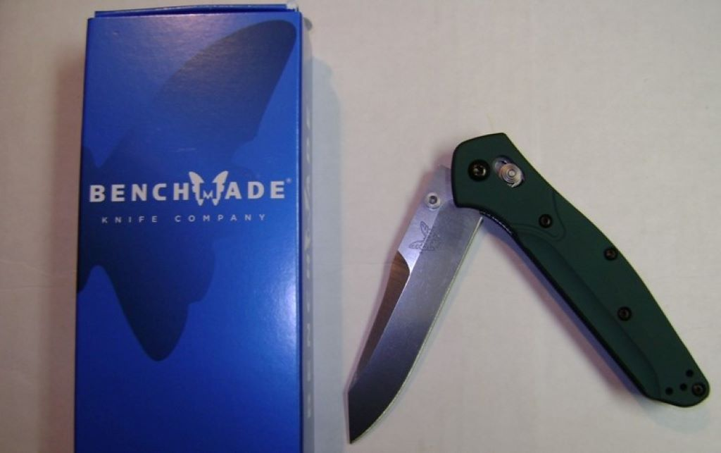 benchmade 940 knife blue case