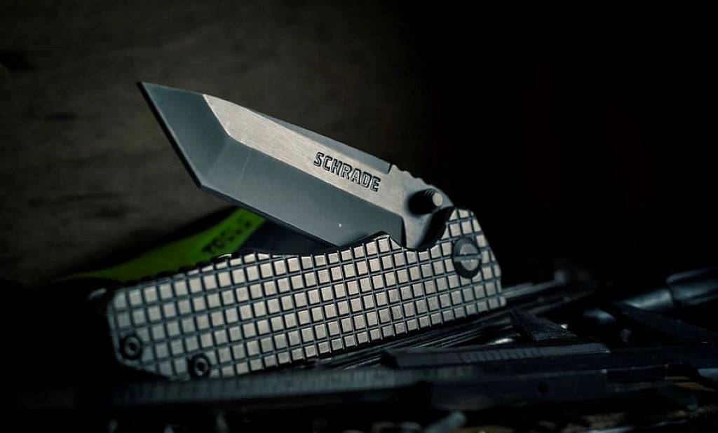 silver pocket knife