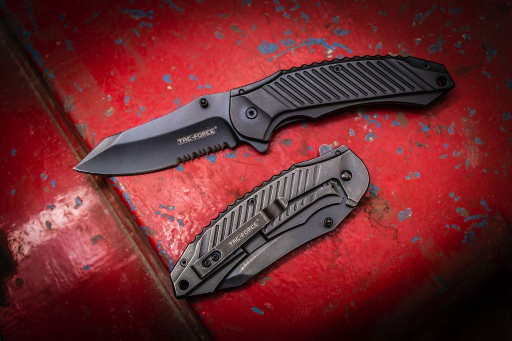 tac force spring assisted pocket knife